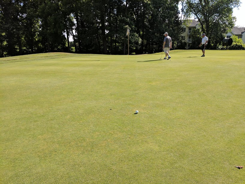 Long birdie putt that I missed, and yes- I repaired the pitch mark. Getting toasty here.